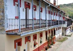 Cuarteles de Vallejo de Orbo