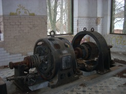 Pozo Herrera I. Fotos de la sala de máquinas.