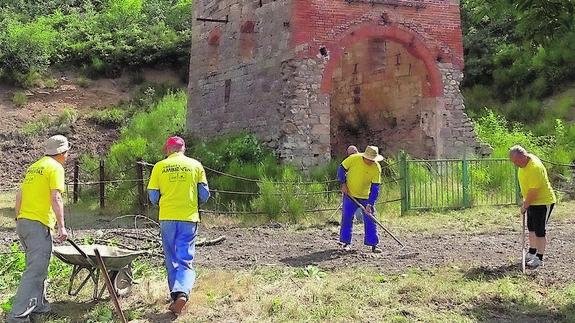 La Asociación para la Recuperación de Patrimonio Industrial adecúa la bocamina San Ignacio en Vallejo de Orbó